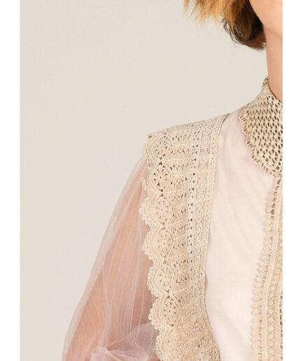 Μπλούζα lace με τούλι στα μανίκια