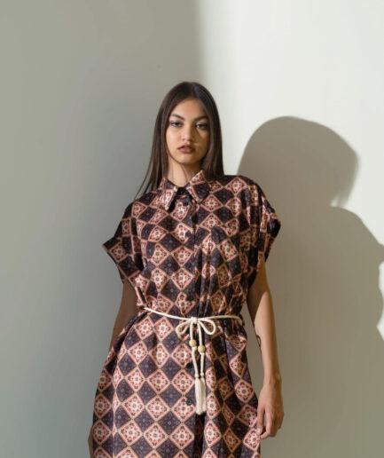 Φόρεμα μίνι λαχούρια με ζώνη μαύρο